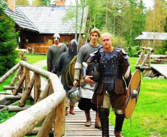 Wikingerdorf und Führung in Tallinn